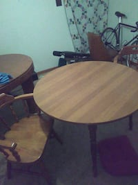 Kitchen table 2 all wood chairs w/cushions Pittsburgh