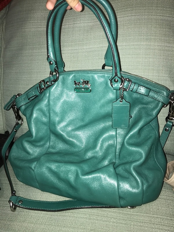 b3a71abeda917 Used green Coach pebble leather 2-way tote bag for sale in Calgary - letgo