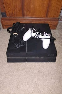PS4 and Controller Smyrna, 37167