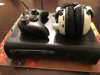 (See Description )Elite Xbox 360 with Controller and Headset Trenton, 08618
