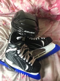 Winnwell skates with protectors and Bauer helmet.( for kids) NEEDS TO GO!!!URGENT!! Montréal, H3M 2A2