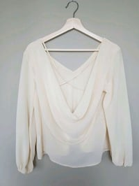 BNWOT Tobi cream blouse with open back Toronto, M5B