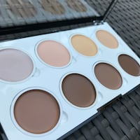 NYX Highlight & Contour Palette  Miami