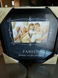 Lovely Family picture frame, NEW Burtonsville, 20866