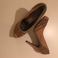 SIZE: 10. LIKE NEW. Pair of brown caramel stilettos Winchester, 22602