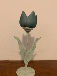 Party lite tulip candle holder