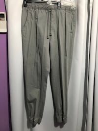 Grey Old Navy mans pants Size L Longview, 98632