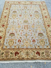 Area Rug.  Great condition  Jacksonville, 32225