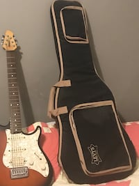 PEAVEY Electric Guitar. Used Fox River Grove, 60021