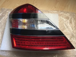 Mercedes S550 tail lights