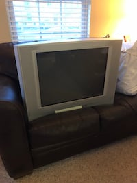 Sony 32-in TV     Bristow, 20136