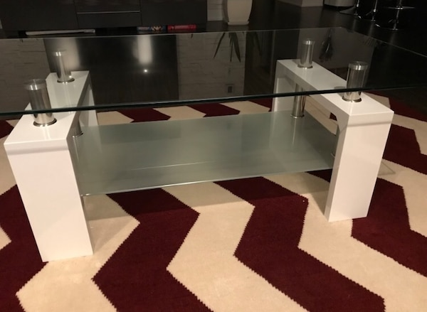 Coffee Table (Excellent Condition)