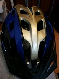 white and blue bicycle helmet 3747 km