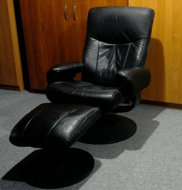 Swivel/Recliner Black Leather Chair