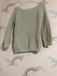 grey knitted sweater 马卡姆, L3R 7A2