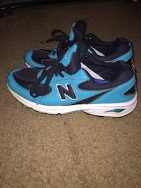 pair of blue-and-black Nike running shoes Alexandria, 22306
