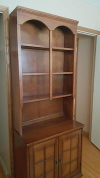 2 Piece Solid Buffet and Hutch   CALGARY