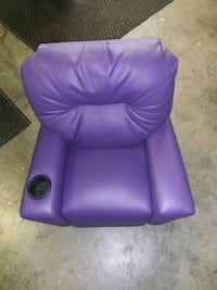 Purple kid's sized sofa Manchester, 03102