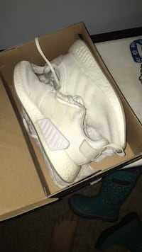 pair of white Adidas low top sneakers in box Belleville, K8P 1E9