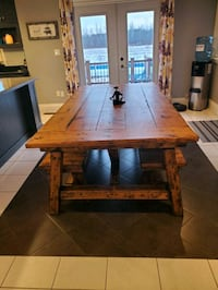 Harvest table & 2 benches Welland, L3B 5N6