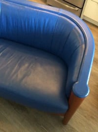 2 seater leather couch- moving sale  Toronto, M5V 0H9