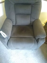 Lift recliner Brown works just did not care for it $650 Westland, 48186