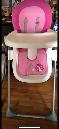 Baby's white and pink high chair Edmonton, T6M 0P2