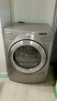 Electric dryer with pedestal $250 Hamilton, L9C 4E4