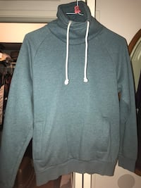 H&M turtle neck hoodie (Size M) Los Angeles, 91352