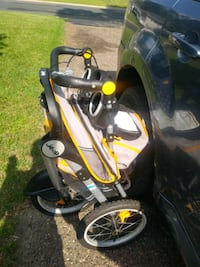 Jeep jogging stroller Minneapolis, 55429