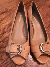 Pair of brown leather flats Alexandria, 22304