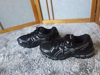 Asics woman running shoes, size 8 London