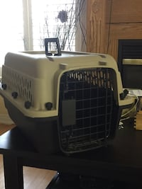 Crate for small pets up to 10 lbs  568 km