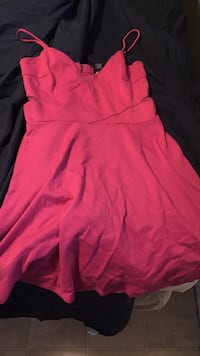 Women's pink sleeveless dress Edmonton, T6J 5P9
