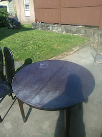 Coffee table good condition needs to be stained Carlstadt, 07072
