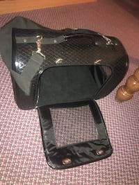 Leather pet carrier  Toronto, M3N 2B9