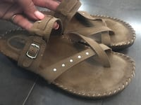Tan leather soft moc sandals ~ size 9 Surrey, V3S