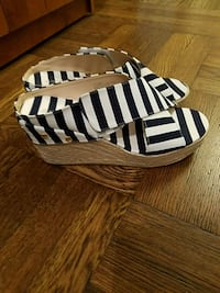 Wedge navy/white shoes  New York, 10011