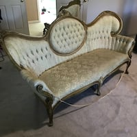 Antique Chair and Sofa Round Hill, 20141