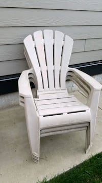 3 outdoor  patio chairs Langley City, V3A 3J9