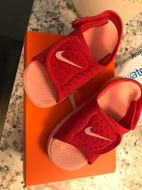 pair of red Nike Lebron James basketball shoes Phenix City, 36870