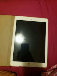 ipad 6th gen rose gold Edmonton, T6M 0H8