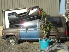 1987 FORD BRONCO XLT 4X4 TRUCK + LOTS OF PARTS INCLUDED REDUCED TODAY$1000.00 FOR EVERYTHING!