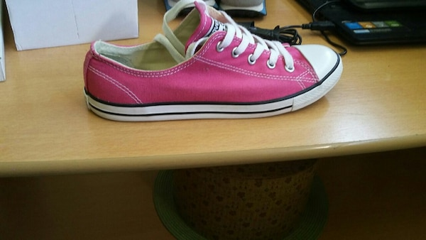 chaussure bas-top Converse All Star rose et blanc non accompagnée