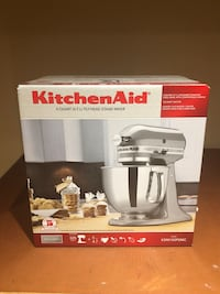 Kitchen Aid stand mixer box Vaughan, L6A 3W9