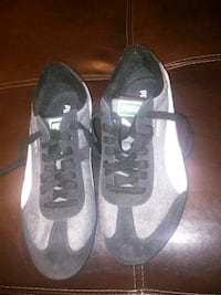 pair of black-and-white Nike sneakers Louisville, 40206