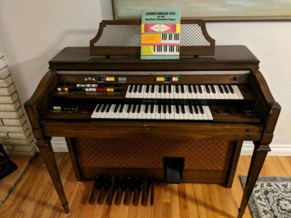 Organ For Sale >> Electric Organ