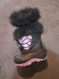 toddler's pink-and-black duck boots