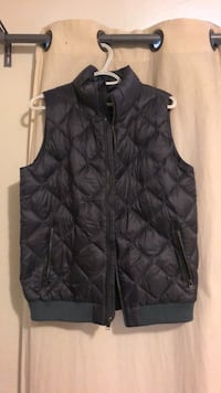 Patagonia Down Vest Size L women's — NEW  Pacifica, 94044