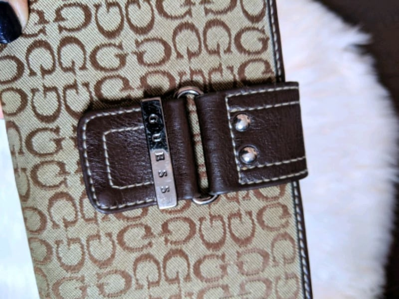 Guess wallet  4